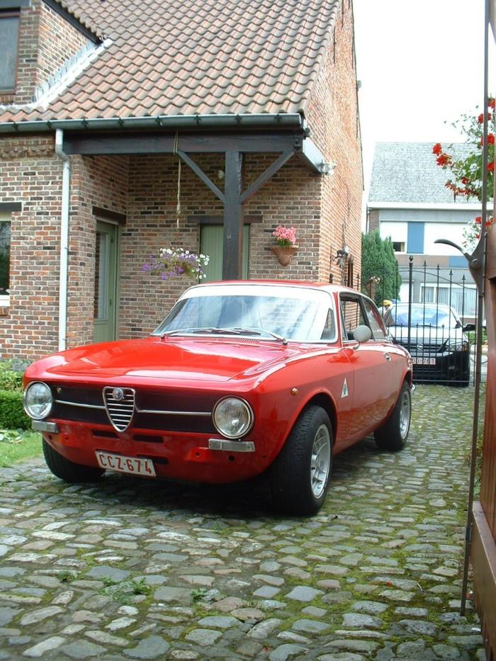 86398a2adab Photo    1971-Alfa Romeo GT Junior 1300